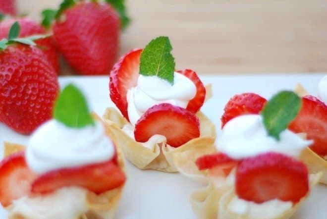 Easy-Strawberry-Tartlets